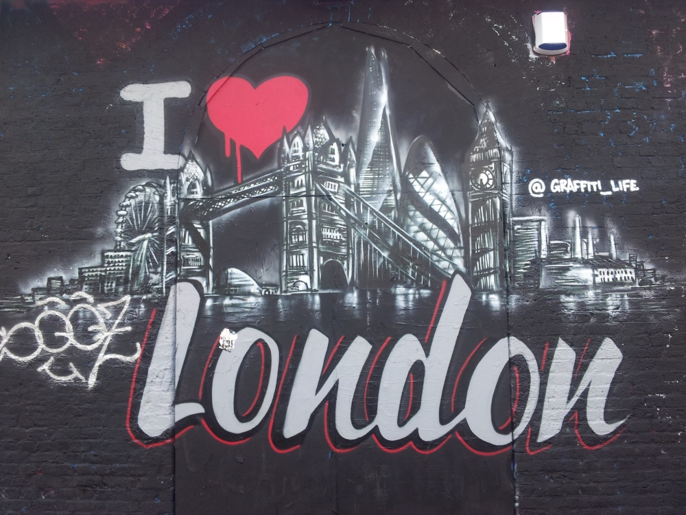 Hackney Tours Brick Lane i-heart-london-graffiti-shot