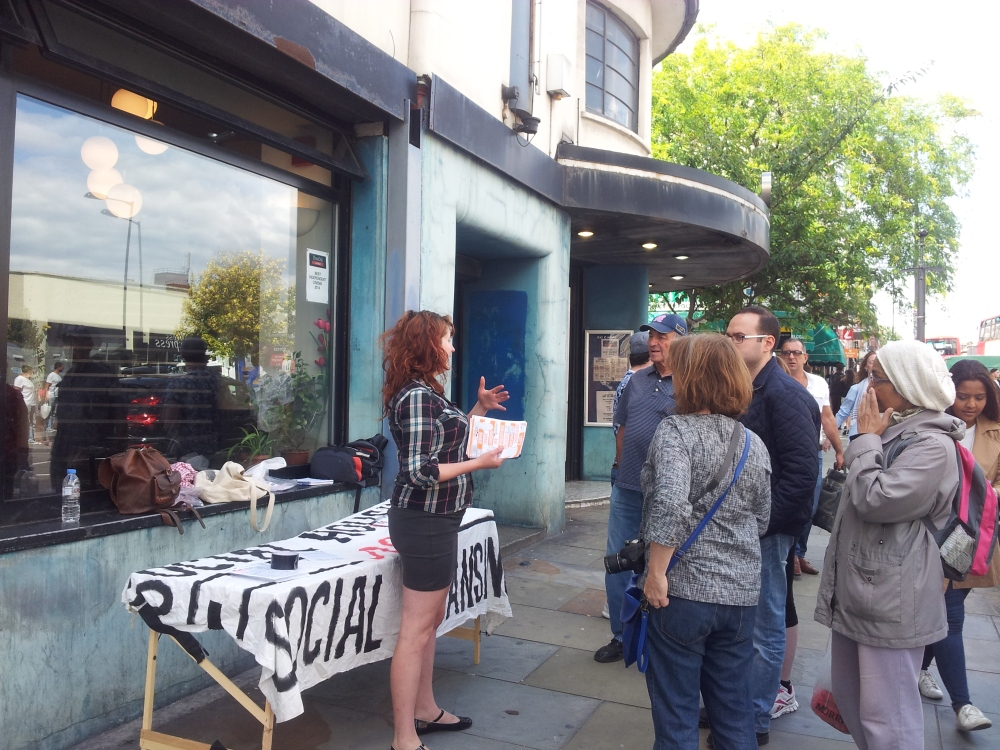 Hackney Tours DIGS housing activists stall
