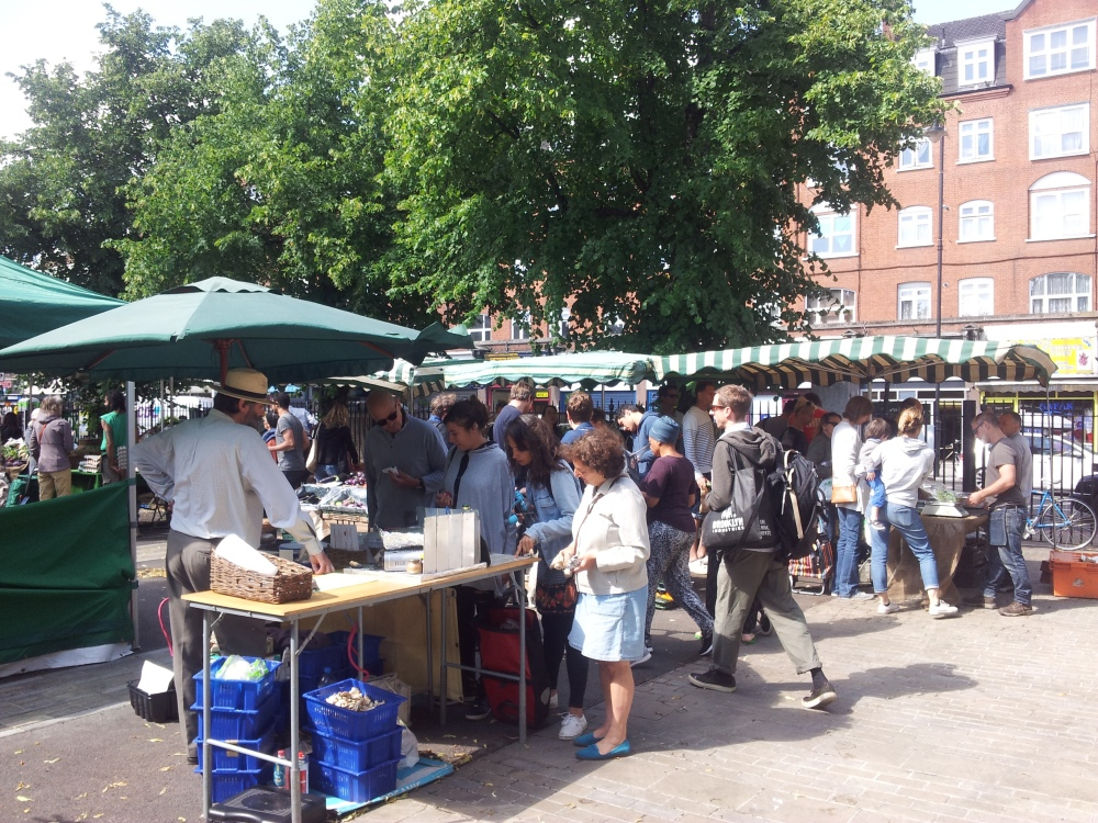 Hackney Tours Growing Communities market