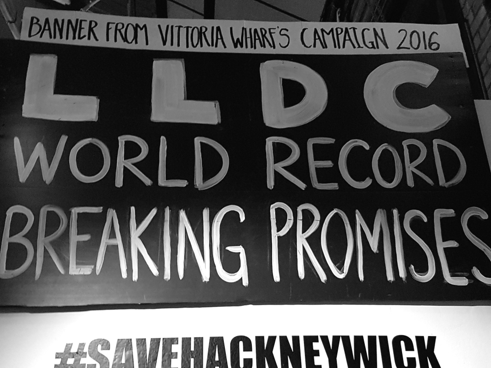 save-yourselves-lldc-banner-hackney-wick-street-art-small