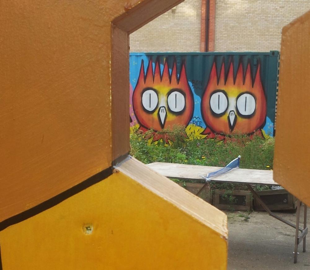 Dscreet street art Dalston small